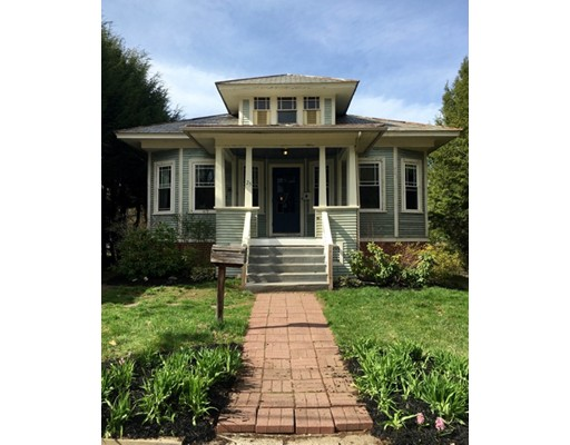 Casa Unifamiliar por un Venta en 25 Garfield Avenue Easthampton, Massachusetts 01027 Estados Unidos