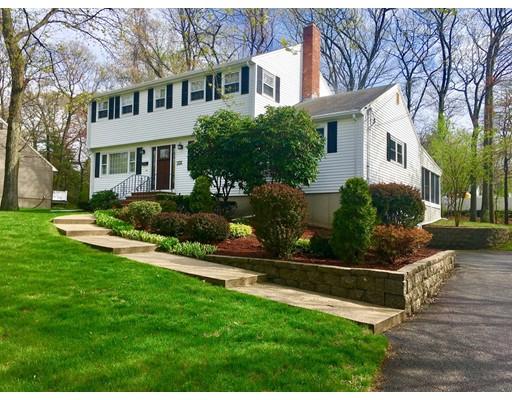 独户住宅 为 销售 在 27 Hampshire Road 皮博迪, 01960 美国