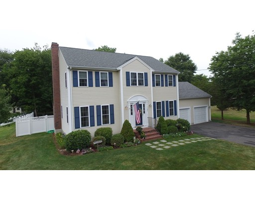 Single Family Home for Sale at 1187 Oakhill Avenue Attleboro, Massachusetts 02703 United States