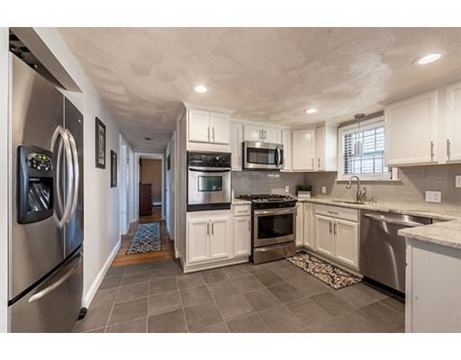 41 Central St, North Reading, MA 01864