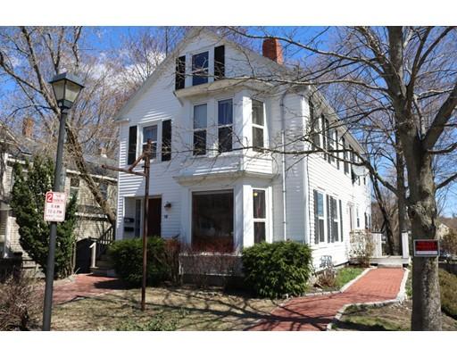 Многосемейный дом для того Продажа на 18 Central Georgetown, Массачусетс 01833 Соединенные Штаты