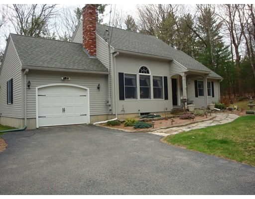 Single Family Home for Sale at 1235 Eastford Road Southbridge, Massachusetts 01550 United States