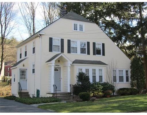 Casa Unifamiliar por un Alquiler en 90 Seaver Street Wellesley, Massachusetts 02482 Estados Unidos