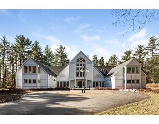 Maison unifamiliale pour l Vente à 600 Concord Street Carlisle, Massachusetts 01741 États-Unis