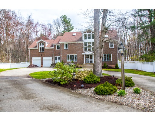 Single Family Home for Sale at 362 Spring Street Rockland, Massachusetts 02370 United States