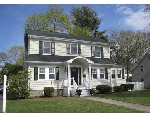 Single Family Home for Sale at 395 Weston Road Wellesley, Massachusetts 02482 United States