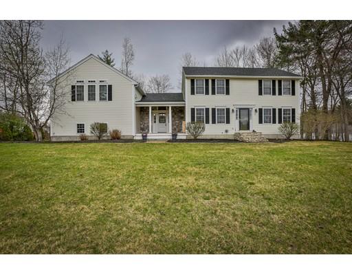 Частный односемейный дом для того Продажа на 6 Noyes Lane Merrimac, Массачусетс 01860 Соединенные Штаты