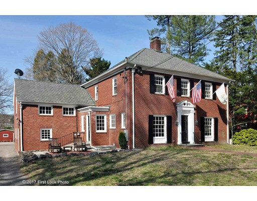 独户住宅 为 销售 在 500 Harris Woonsocket, 罗得岛 02895 美国