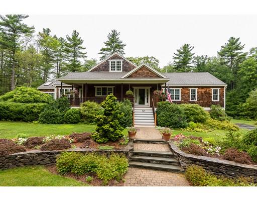 独户住宅 为 销售 在 525 0ld Forest Street Bridgewater, 马萨诸塞州 02324 美国