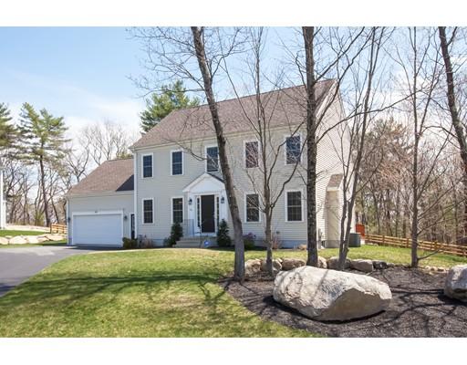 Maison unifamiliale pour l Vente à 99 Wampum Street Weymouth, Massachusetts 02190 États-Unis
