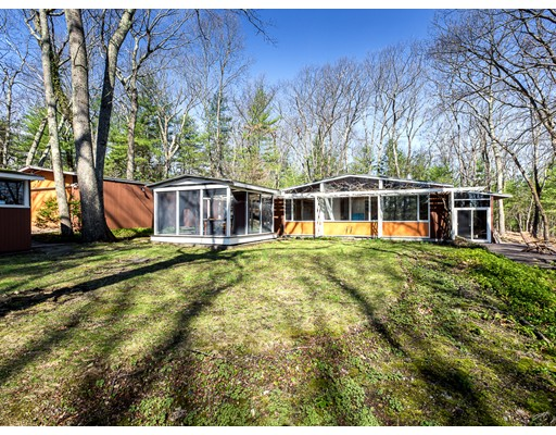 18 Moccasin Hill Rd., Lincoln, MA 01773