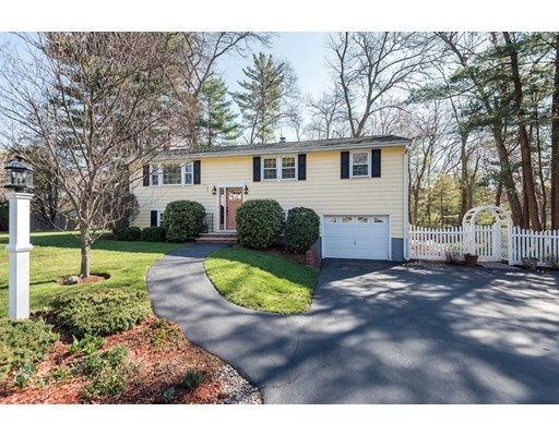 Single Family Home for Sale at 3 Sunset Avenue North Reading, Massachusetts 01864 United States