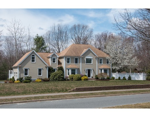 独户住宅 为 销售 在 5 Forest Park Drive 霍里斯顿, 马萨诸塞州 01746 美国