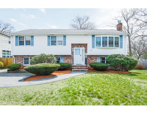 Casa Unifamiliar por un Venta en 61 Rivers Lane Malden, Massachusetts 02148 Estados Unidos