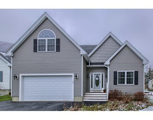 Maison unifamiliale pour l Vente à 23 Steinbeck Street Tyngsborough, Massachusetts 01879 États-Unis