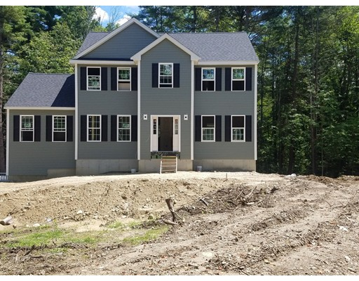 Single Family Home for Sale at 48 Elm Street Pepperell, Massachusetts 01463 United States