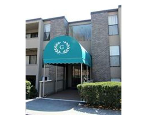 Casa Unifamiliar por un Alquiler en 32 Shrewsbury Green Drive Shrewsbury, Massachusetts 01545 Estados Unidos