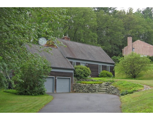 Single Family Home for Sale at 15 Country Corners Road Amherst, Massachusetts 01002 United States