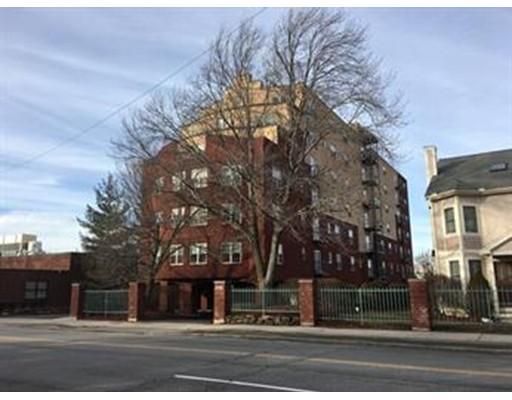 Additional photo for property listing at 655 Concord Avenue  Cambridge, Massachusetts 02138 Estados Unidos