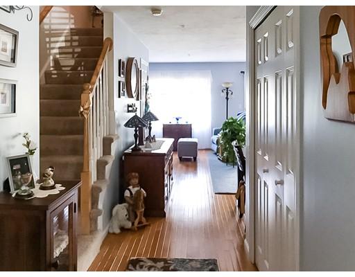 Appartement en copropriété pour l Vente à 612 Thayer Street Abington, Massachusetts 02351 États-Unis