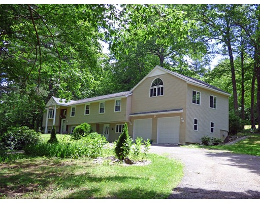 Casa Unifamiliar por un Venta en 25 Shedd Road Bernardston, Massachusetts 01337 Estados Unidos