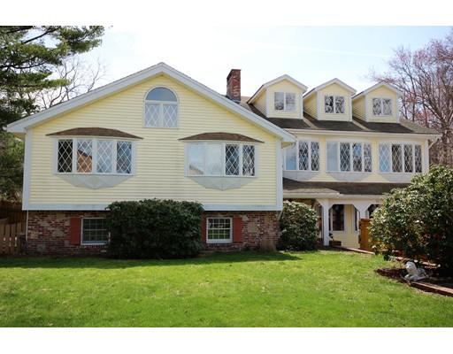 Maison unifamiliale pour l Vente à 1078 Liberty Street Braintree, Massachusetts 02184 États-Unis