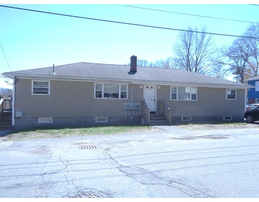 Casa Multifamiliar por un Venta en 58 Hally Road Lowell, Massachusetts 01854 Estados Unidos