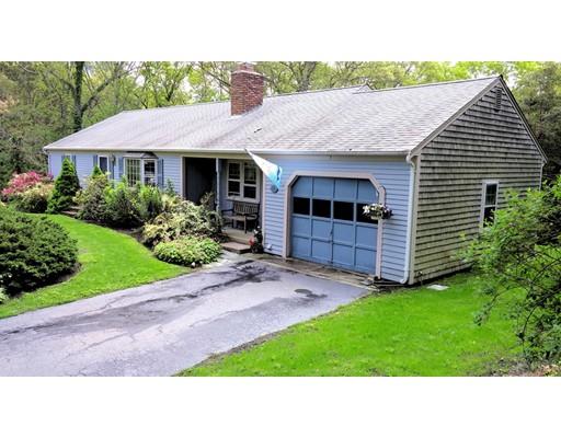 Частный односемейный дом для того Продажа на 275 Lake Shore Drive Barnstable, Массачусетс 02648 Соединенные Штаты