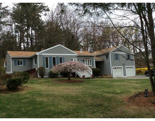 Casa Unifamiliar por un Venta en 13 Aspen Street Woburn, Massachusetts 01801 Estados Unidos