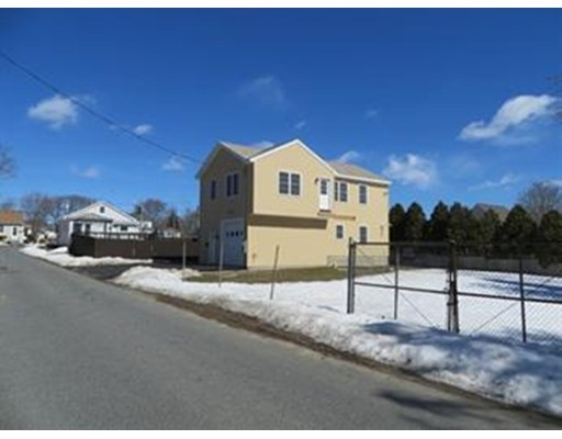 Single Family Home for Rent at 14 Cove Street Swansea, Massachusetts 02777 United States