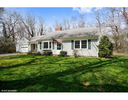 Частный односемейный дом для того Продажа на 24 Maraspin Road Barnstable, Массачусетс 02630 Соединенные Штаты