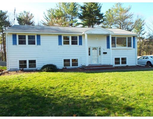 Maison unifamiliale pour l Vente à 193 Peregrine Road Abington, Massachusetts 02351 États-Unis