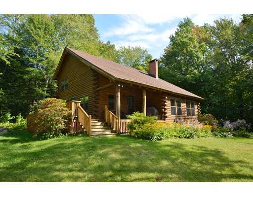 Maison unifamiliale pour l Vente à 5 South Lake Way Becket, Massachusetts 01223 États-Unis