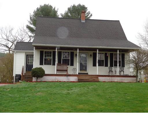Maison unifamiliale pour l Vente à 15 Labossiere Lane Putnam, Connecticut 06260 États-Unis