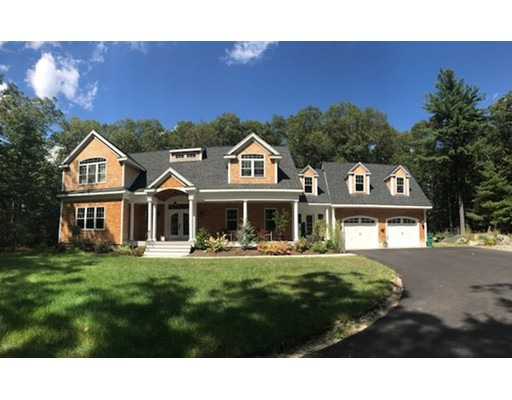 Single Family Home for Sale at 32 Philip Street Medfield, Massachusetts 02052 United States