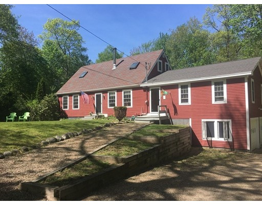 Single Family Home for Sale at 670 Old Petersham Road Barre, Massachusetts 01005 United States