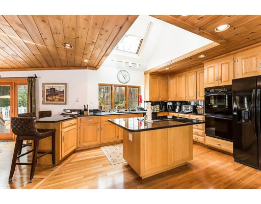 Single Family Home for Sale at 2 Amberwood Lane Boxford, Massachusetts 01921 United States