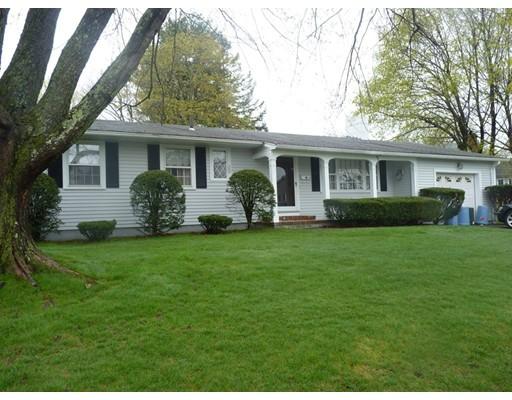 49 Thorndike Rd, Lowell, MA 01852