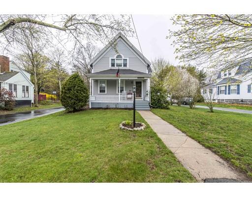 Maison unifamiliale pour l Vente à 359 Plymouth Street Abington, Massachusetts 02351 États-Unis
