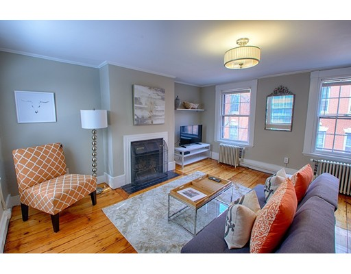 独户住宅 为 出租 在 76 Revere Street 波士顿, 马萨诸塞州 02114 美国