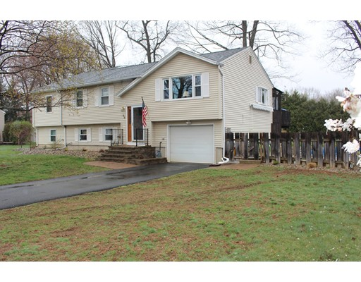 Single Family Home for Sale at 76 Pheasant Run Circle Agawam, Massachusetts 01030 United States