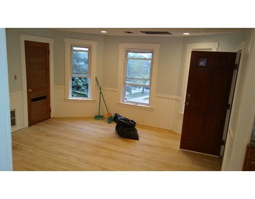 Additional photo for property listing at 30 Coburn Street  Brockton, Massachusetts 02301 Estados Unidos