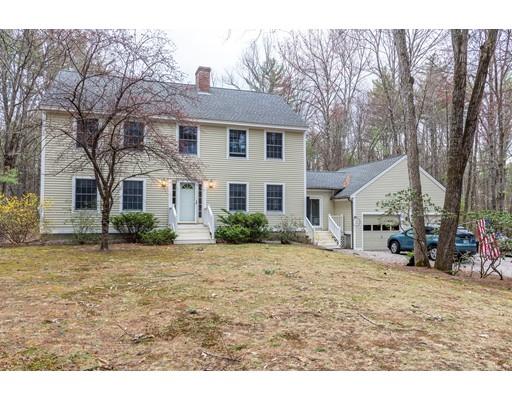 Maison unifamiliale pour l Vente à 81 Sandy Pond Parkway Bedford, New Hampshire 03110 États-Unis