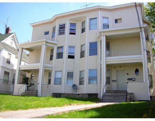 多户住宅 为 销售 在 151 Saratoga Street Lawrence, 马萨诸塞州 01841 美国