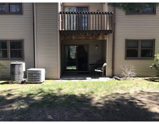 Condominio por un Venta en 508 Twin Circle Drive #508 South Windsor, Connecticut 06074 Estados Unidos