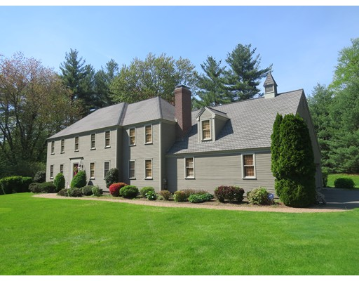 واحد منزل الأسرة للـ Sale في 156 Tokatawan Spring Lane Boxborough, Massachusetts 01719 United States