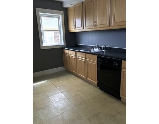 Maison unifamiliale pour l à louer à 46 Lane Street Fall River, Massachusetts 02721 États-Unis
