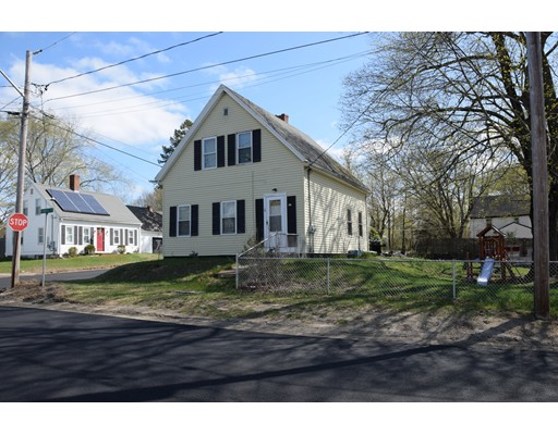 Single Family Home for Sale at 34 HIGH STREET 34 HIGH STREET West Bridgewater, Massachusetts 02379 United States