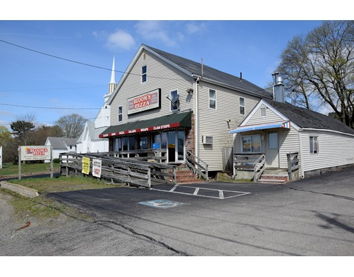 Commercial pour l Vente à 499 WEST CENTER Street 499 WEST CENTER Street West Bridgewater, Massachusetts 02379 États-Unis