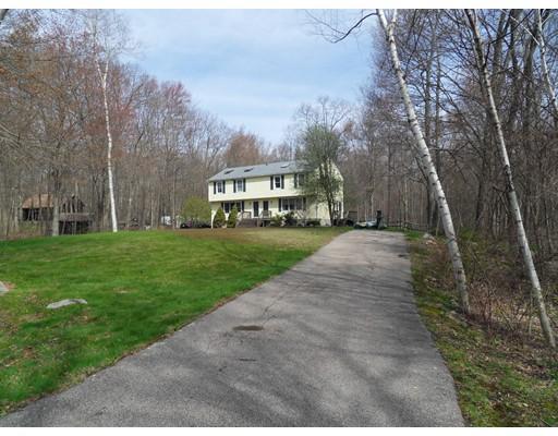 Appartement en copropriété pour l Vente à 35 Union Street Blackstone, Massachusetts 01504 États-Unis